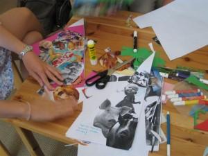 In einer Gruppenarbeit entsteht eine Bilder-Collage
