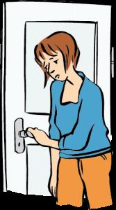 junge Frau versucht traurig eine Tür zu öffnen