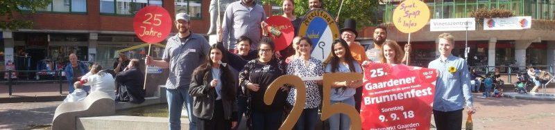 Gruppenbild vom Organisationsteam des 25.Brunnenfestes auf dem Vinetaplatz